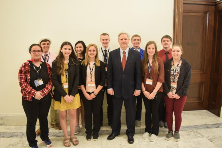 May 2019 - Senator Hoeven meets with students visiting DC from North Dakota.