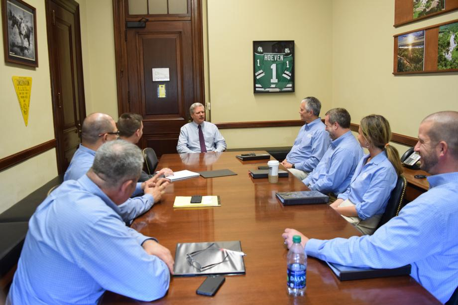 June 2019 - Senator Hoeven met with representatives from CNH.