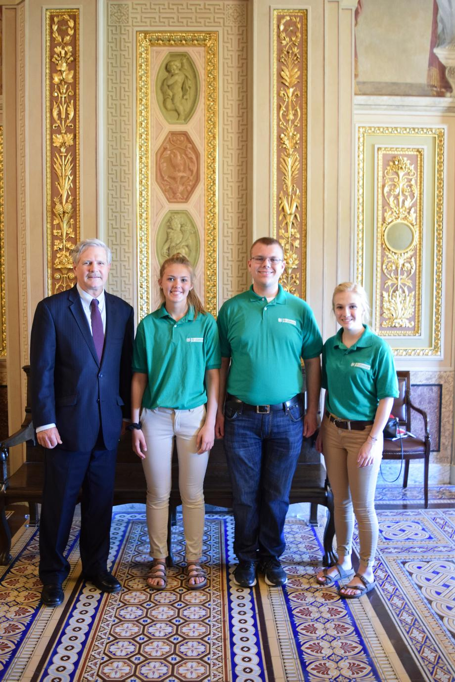 June 2019 - Senator Hoeven with ND 4-H students.