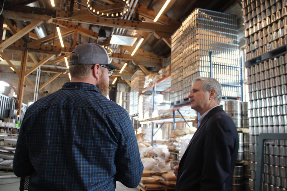 November 2018 - Senator Hoeven tours the Brewhalla brewing facility in Fargo.