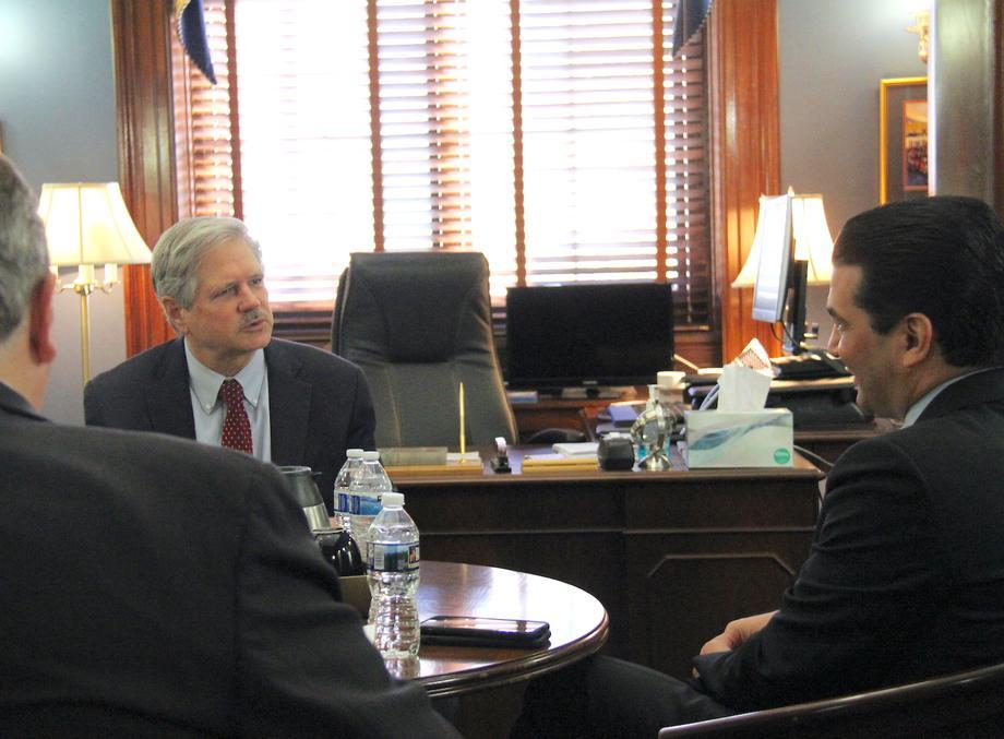November 2018 - Senator Hoeven meets with FDA Administrator Scott Gottlieb.